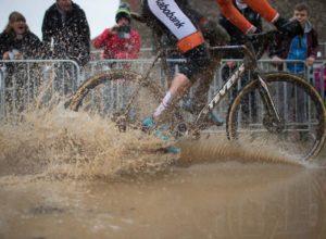 Ciclocross es al ciclismo en invierno