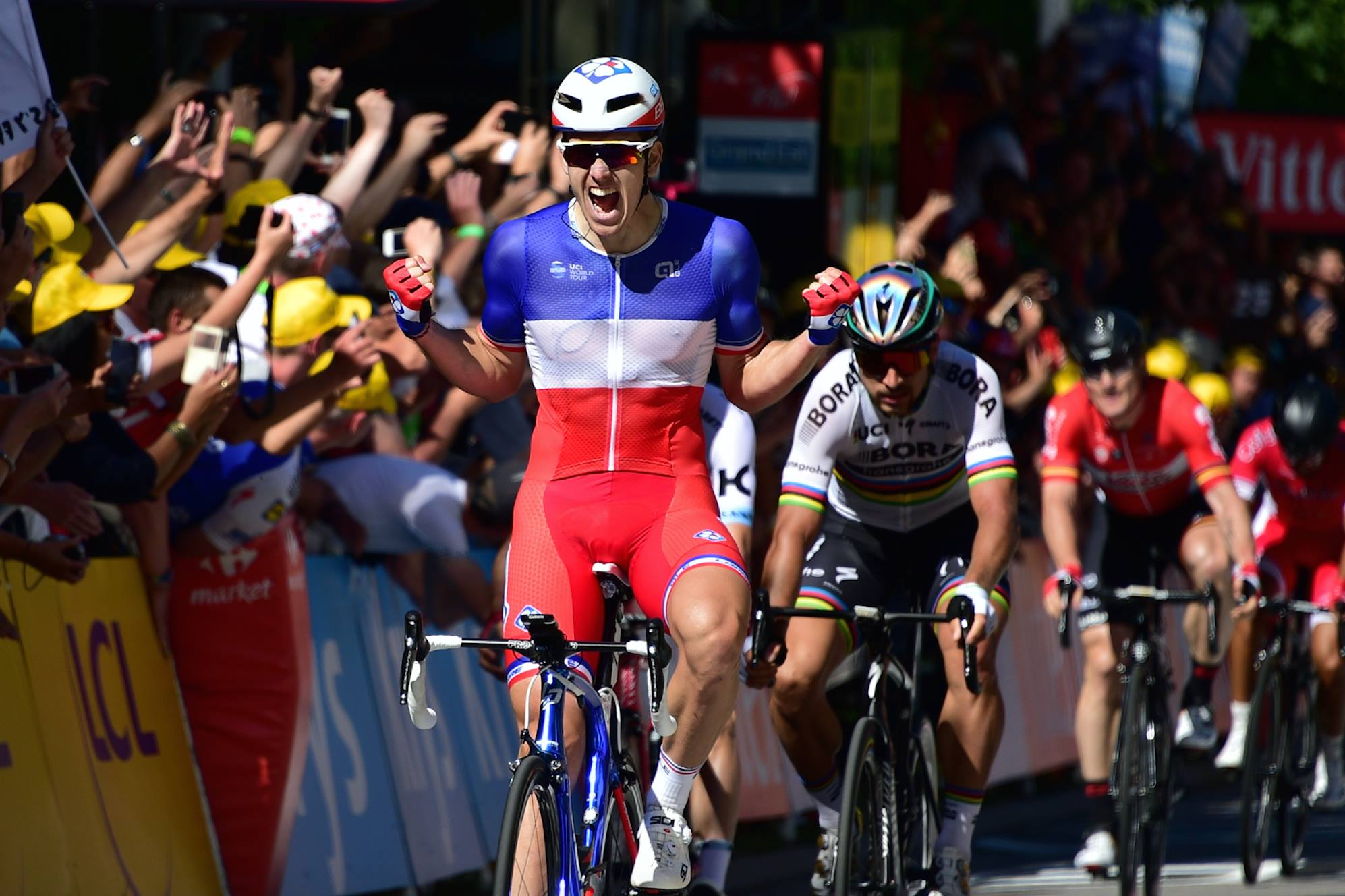 Demare gana en Vittel su etapa en el Tour