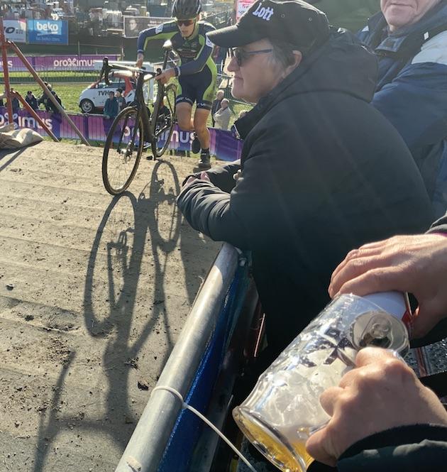Ciclocross en Flandes cerveza JoanSeguidor